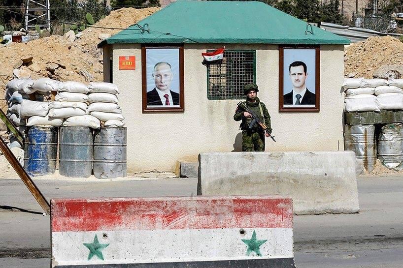 Le checkpoint russo-syrien sur le prétendu couloir humanitaire.