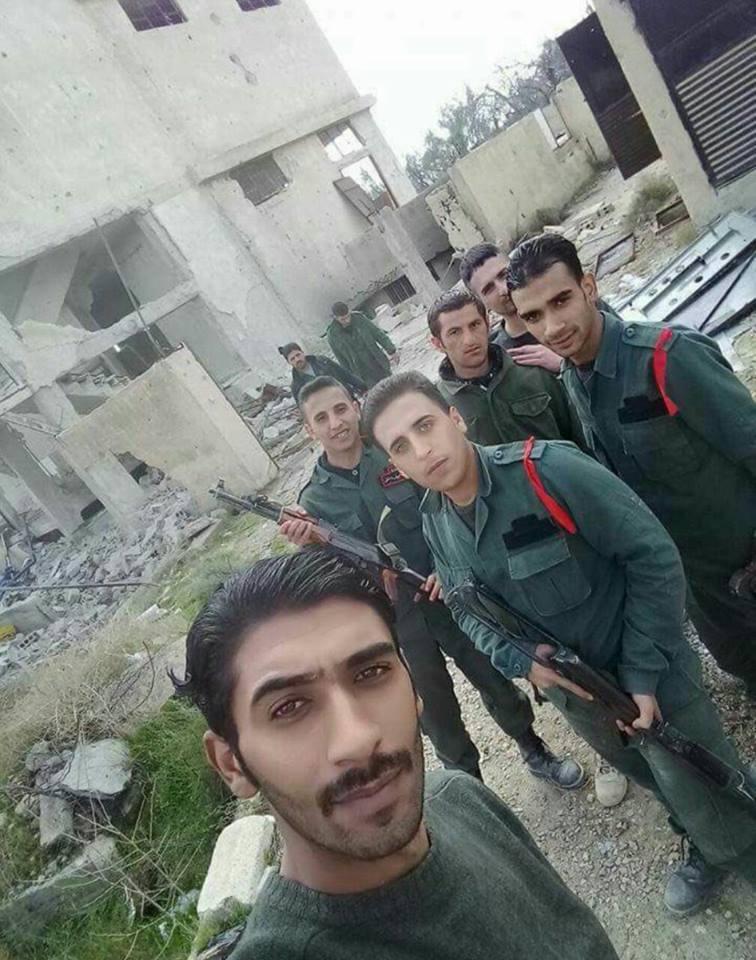 Des policiers syriens poussés au front par le régime.