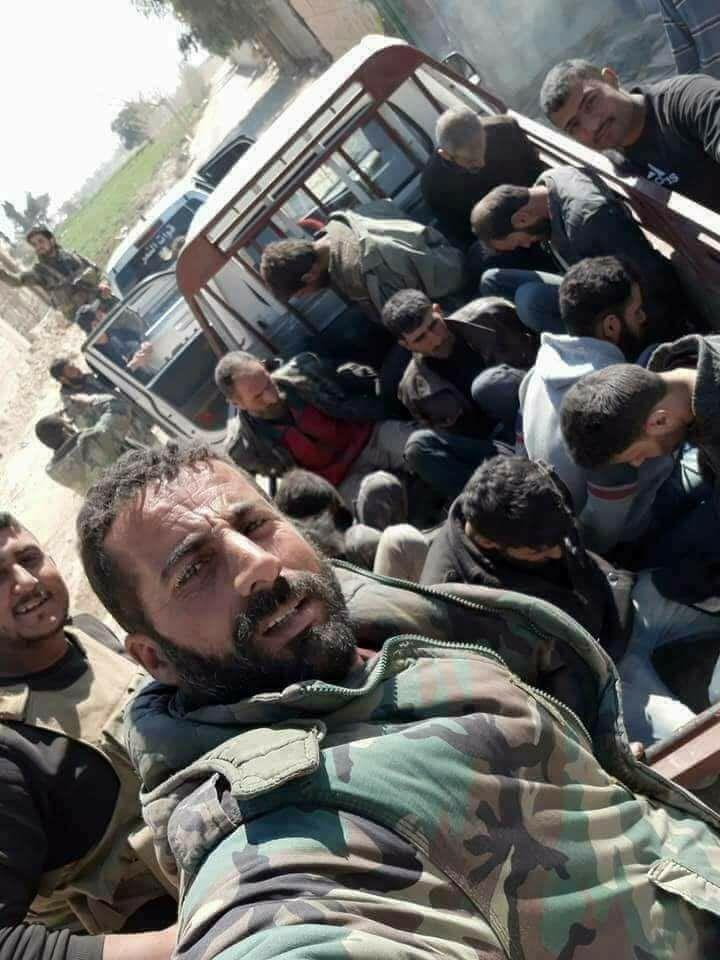 Arrestation des hommes aux sorties de la Ghouta