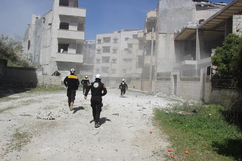 Running to help after airstrike in Jisr Al-Shughour