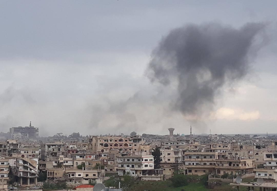 La fumée dégagée par Un missile tombé à Deraa