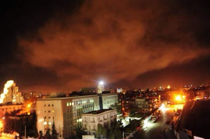 La fumée sur la ville de Damas