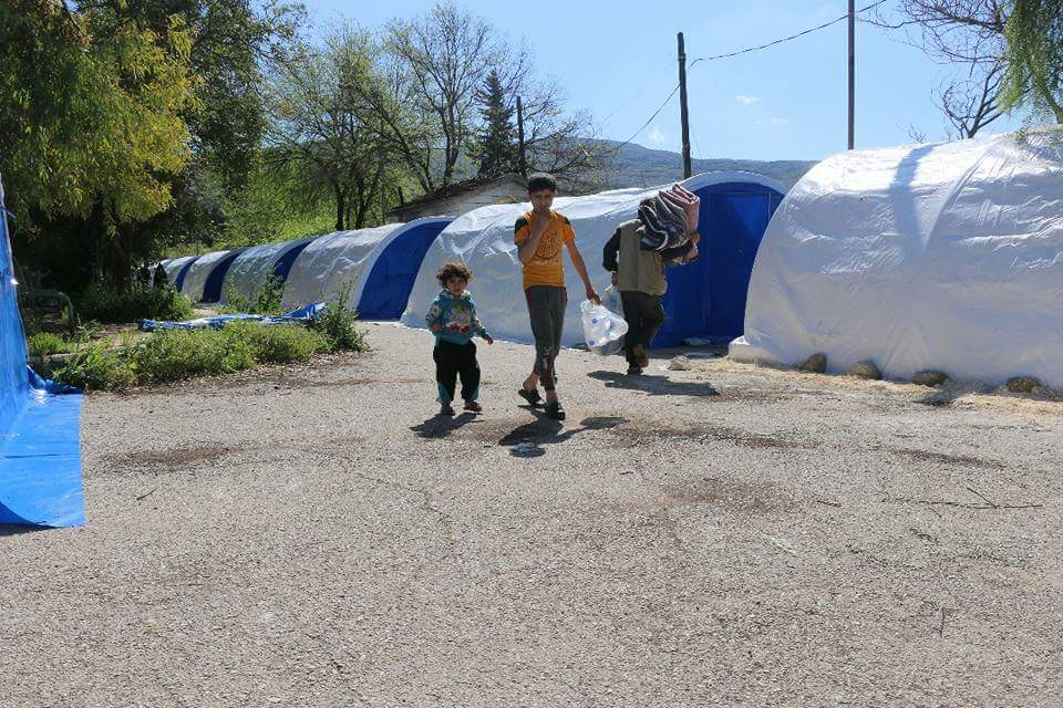 Les tentes installées pour les déportés de la Ghouta