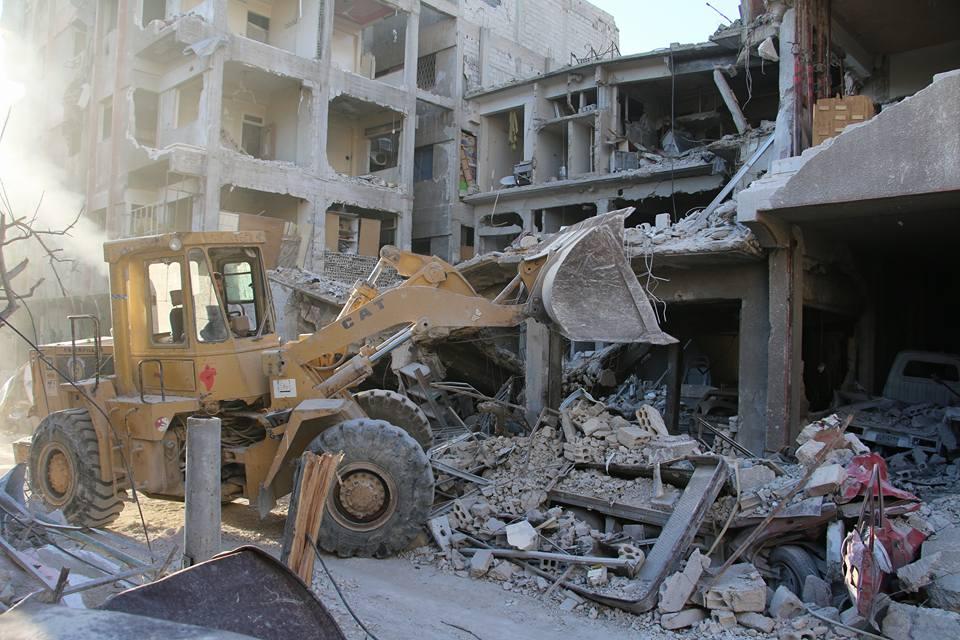 Douma : les réparations après les bombardements