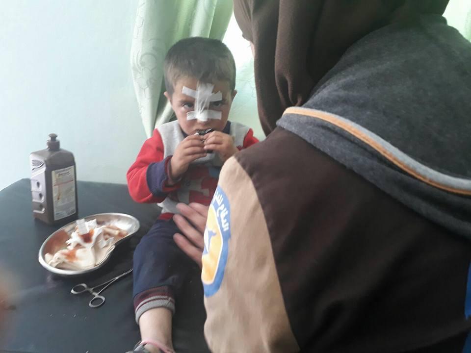 Les soins des blessés par la Défense civile syrienne