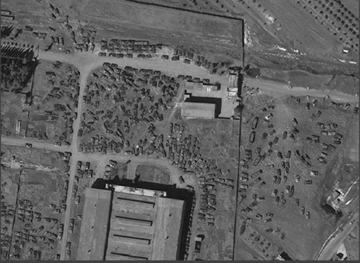 Les chars détruits rassemblés par le régime