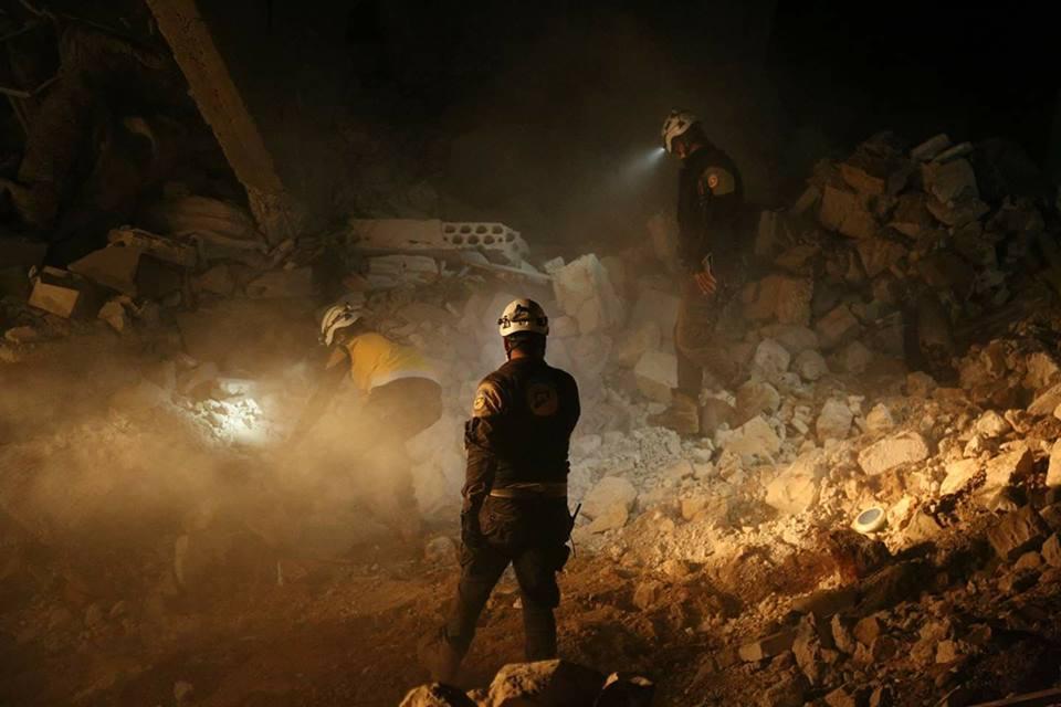 La destruction après les raids sur Al-Naqeer