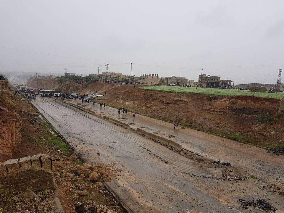Les cars de déportation arrivés à Al-Rastan
