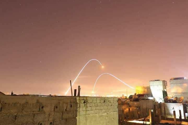 Le ciel de Damas pendant la nuit dernière