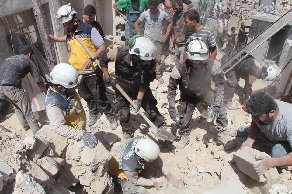 Le sauvetage des victimes à la ville d'Ariha