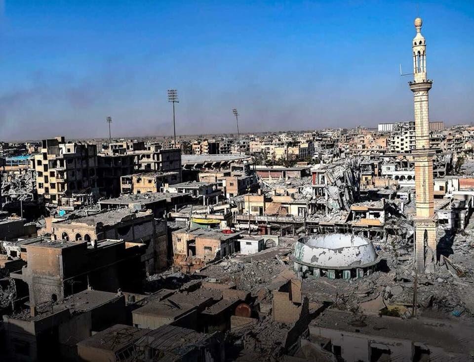Rakka : les destructions autour de la mosquée al-Fardous (source : RBSS)